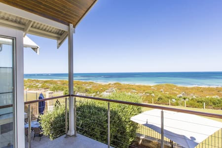 Ledge Point Village - Villa 11 - Beachfront Ocean Views