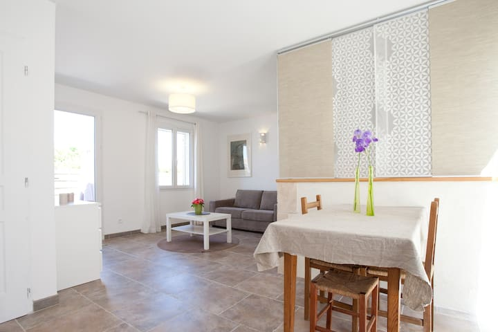 Charming studio, quiet, garden 2-4p - Fontvieille - Apartment