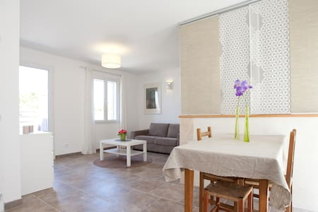 Charming studio, quiet, garden 2-4p - Fontvieille