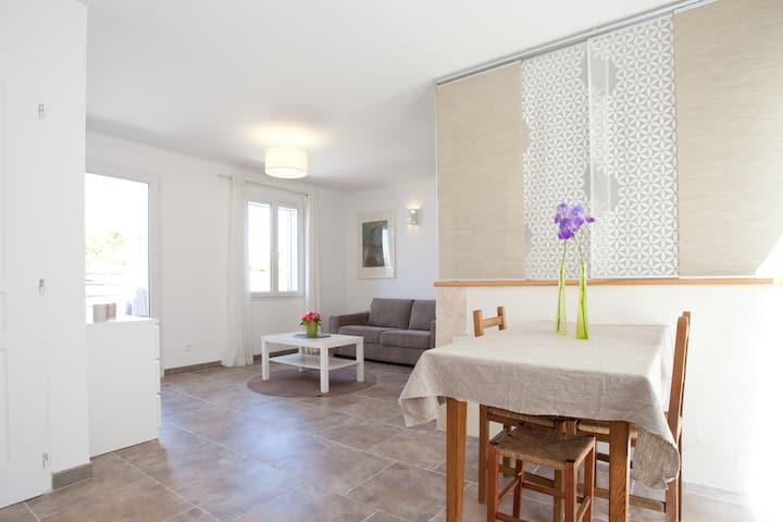 Charming studio, quiet, garden 2-4p