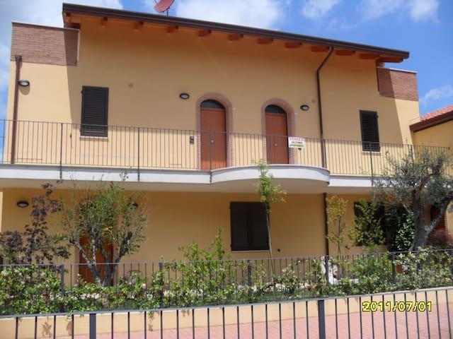 MONDAINO COLLINA ROMAGNA 420 SLM - Mondaino - Appartement