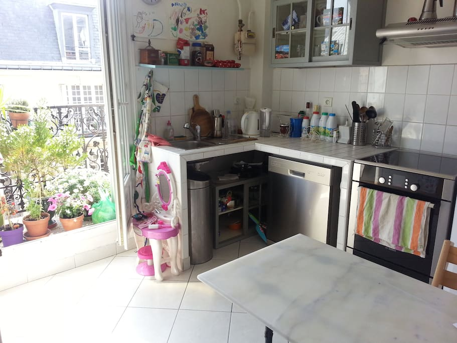 Kitchen - fully equipped with dishwasher, water kettle and all appliances