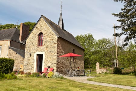 Holiday cottage in converted chapel - Plessé