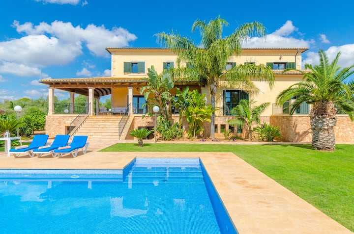 CAN BOU -  Villa with private pool only 4 km from the beach on the outskirts of Ses salines