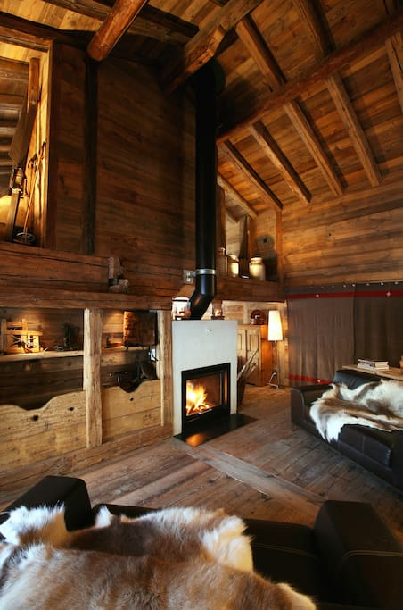 chalet avec beaucoup de charme chalets for rent in les. Black Bedroom Furniture Sets. Home Design Ideas