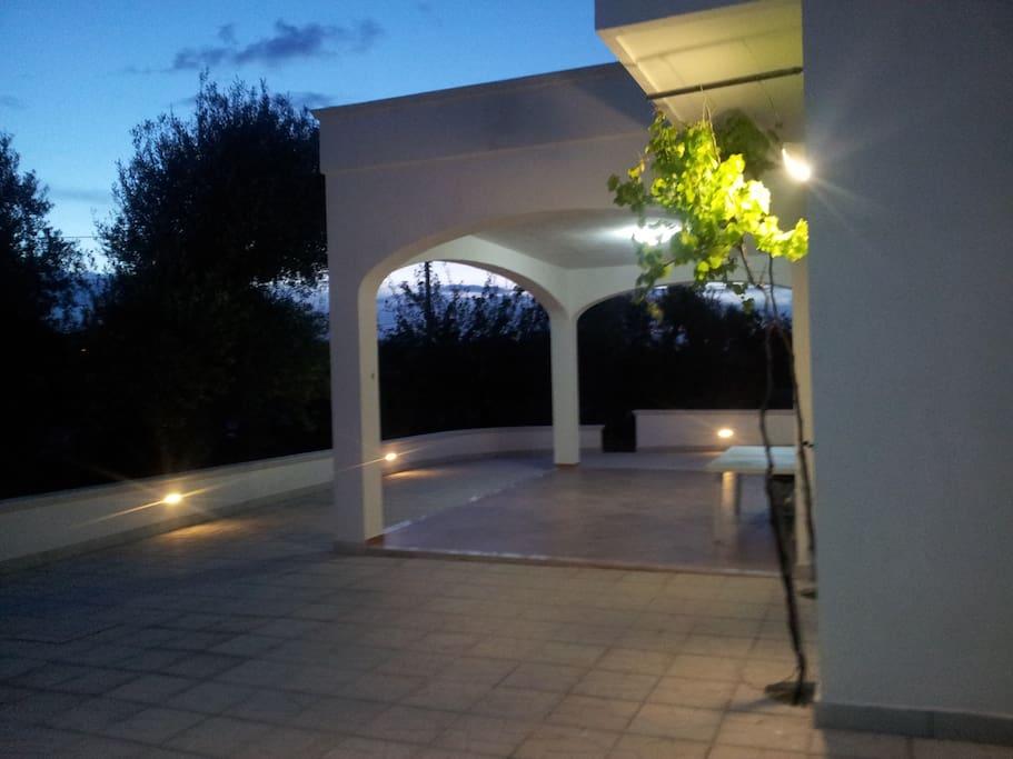 particolare della veranda esterna