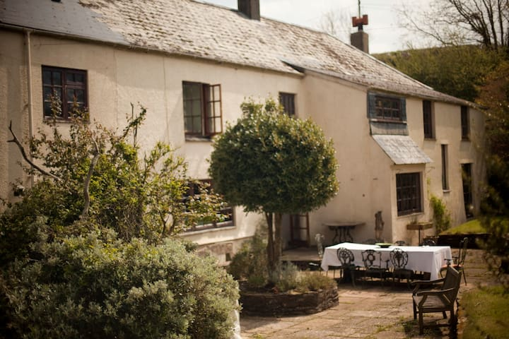 Secluded Farmhouse near Dittisham - Totnes - House