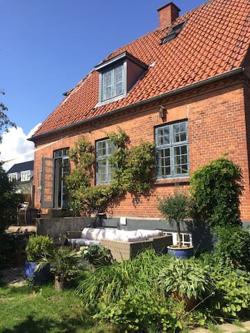 70m2 studio, close to Cph & public transportation