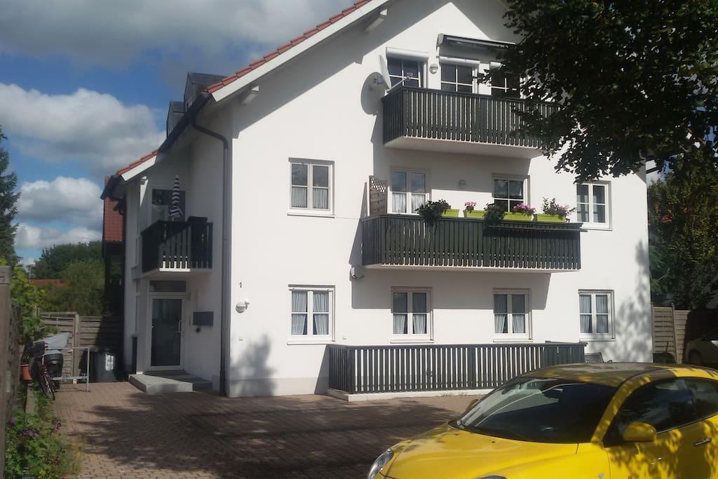 das Haus und der Eingang