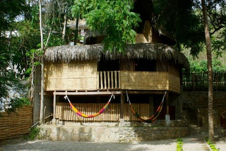 Cabaña playera en Montañita - Montañita - Sommerhus/hytte