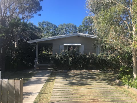 Perfect Little Beach House, centrally located!!