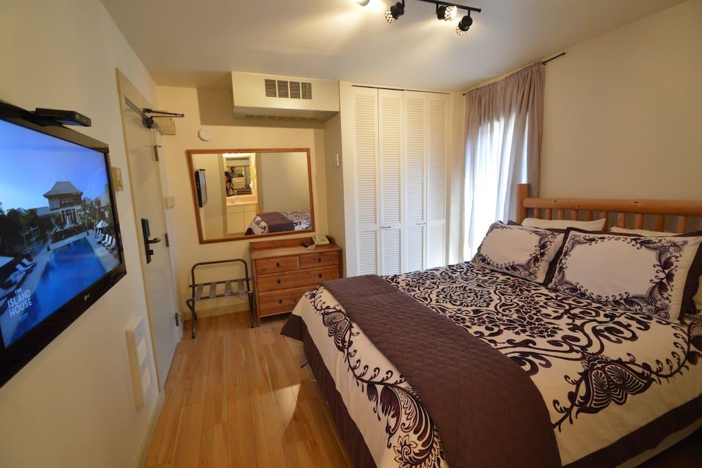 Main floor bedroom with plush mattress!