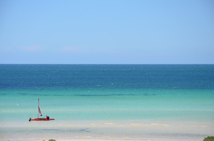 Beachfront *Stunning Sea Views * Free WiFi *Dinghy