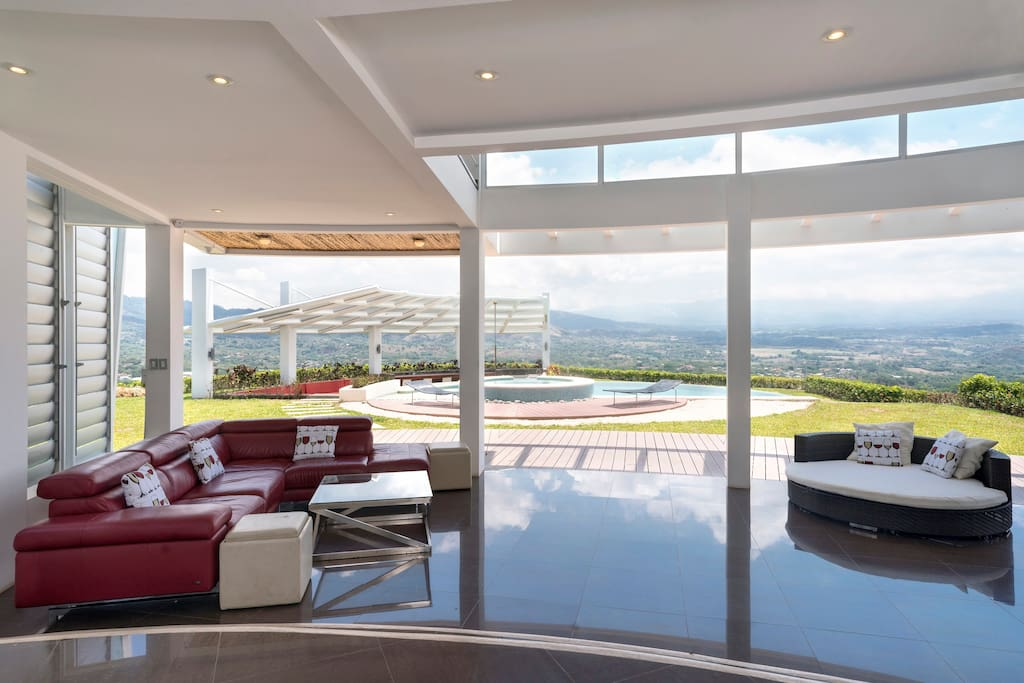 lounge area with majestic view!!
