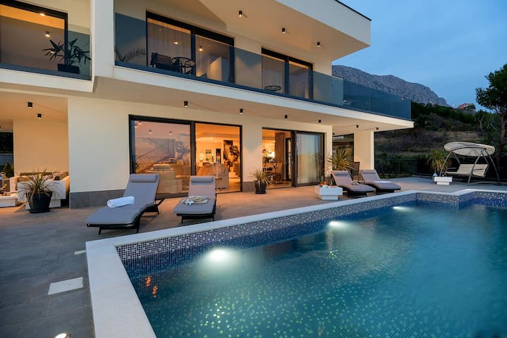 Luxury Villa Happiness with pool, Jacuzzi, sauna, gam, play room, grill by the sea in Stanici – Omis – Dalmatia - Croatia