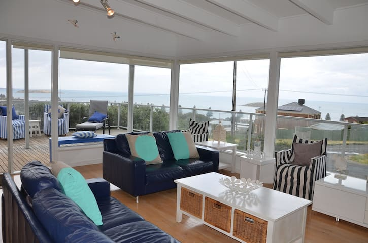 GREAT VIEWS! 5 Bedrooms Cubby House - Encounter Bay - House