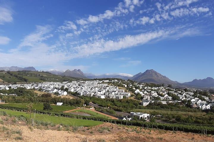 Stellenbosch-private room in Weltevreden Estate
