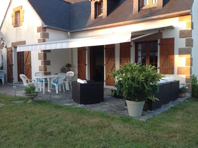 grande maison de famille en Bretagne proche plages - Lanmeur - Rumah