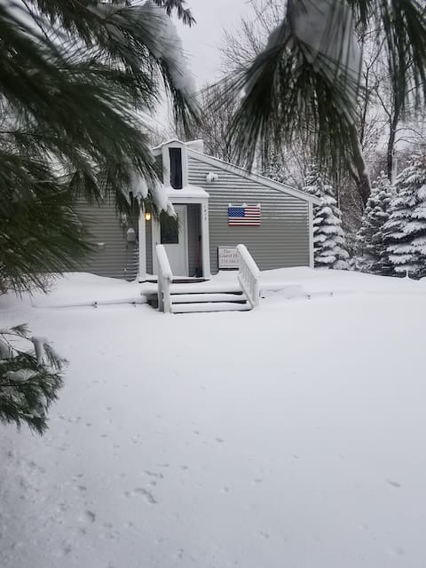 Antrim/Charlevoix Counties-Guest House 6MI Lake Rd