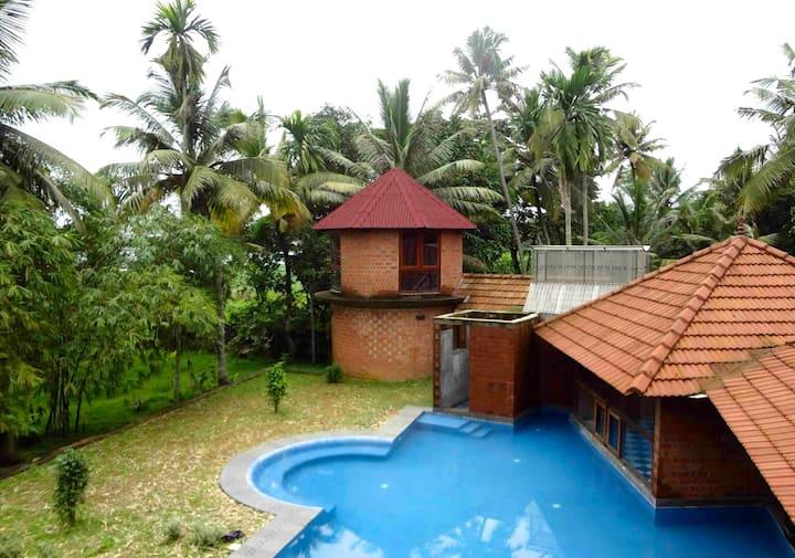 Stunning 5-Bedroom Lakeside Villa