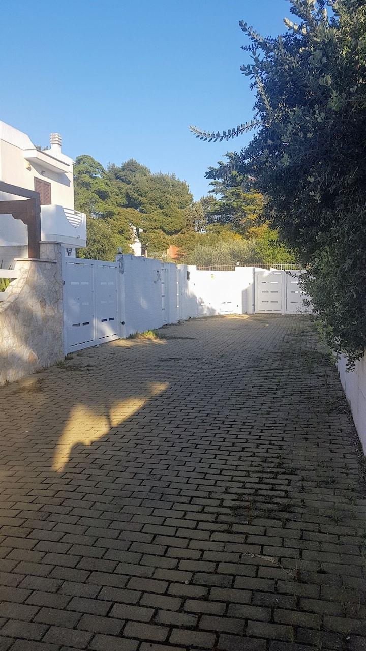 Villa manden  indipendente con piscina 7 posti let