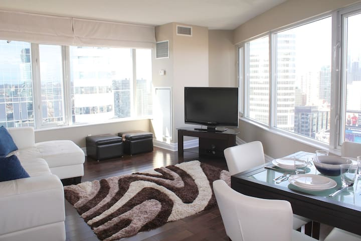 Luxury Suite Downtown 2 Bed 2 Bath Apartments For Rent In Toronto Ontario