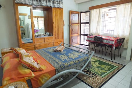 Lovely, spacious house in Suva! - House