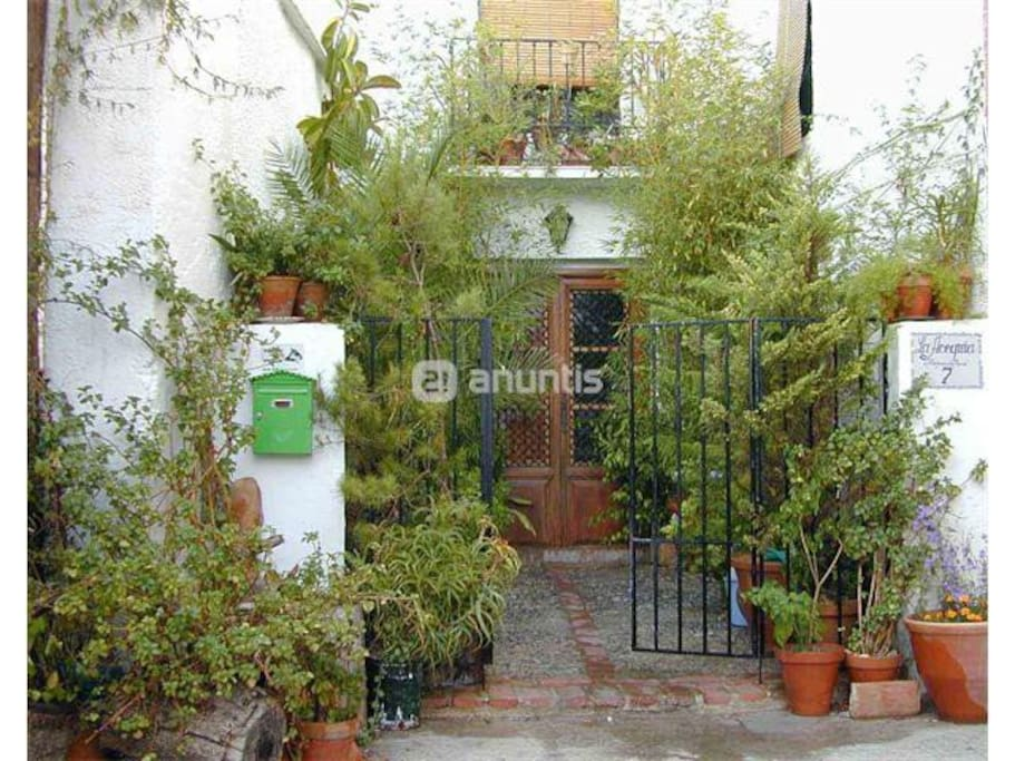 Casa de la acequia houses for rent in talar lecrin for La casa de granada madrid