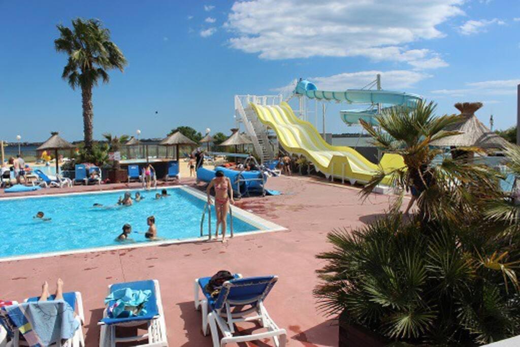 Pr s de la mer au pied descevennes guesthouses for rent for Club piscine pool heater