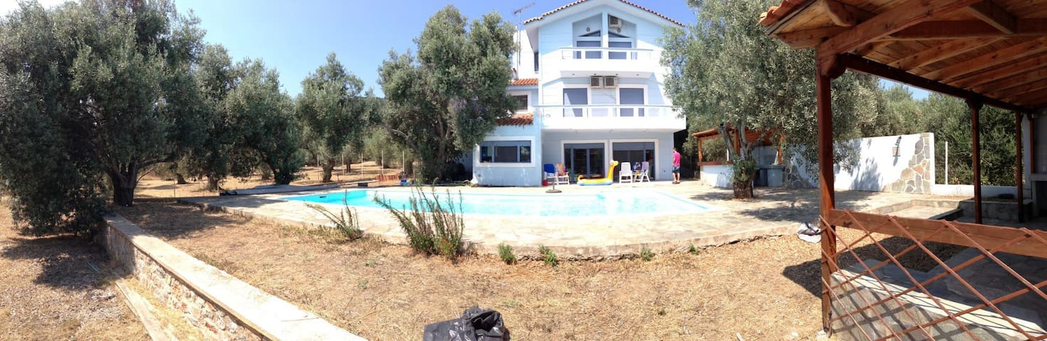 Villa - house north of Evia island