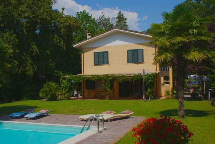 Villa con piscina vicino Lucca - San Martino In Freddana-monsagr
