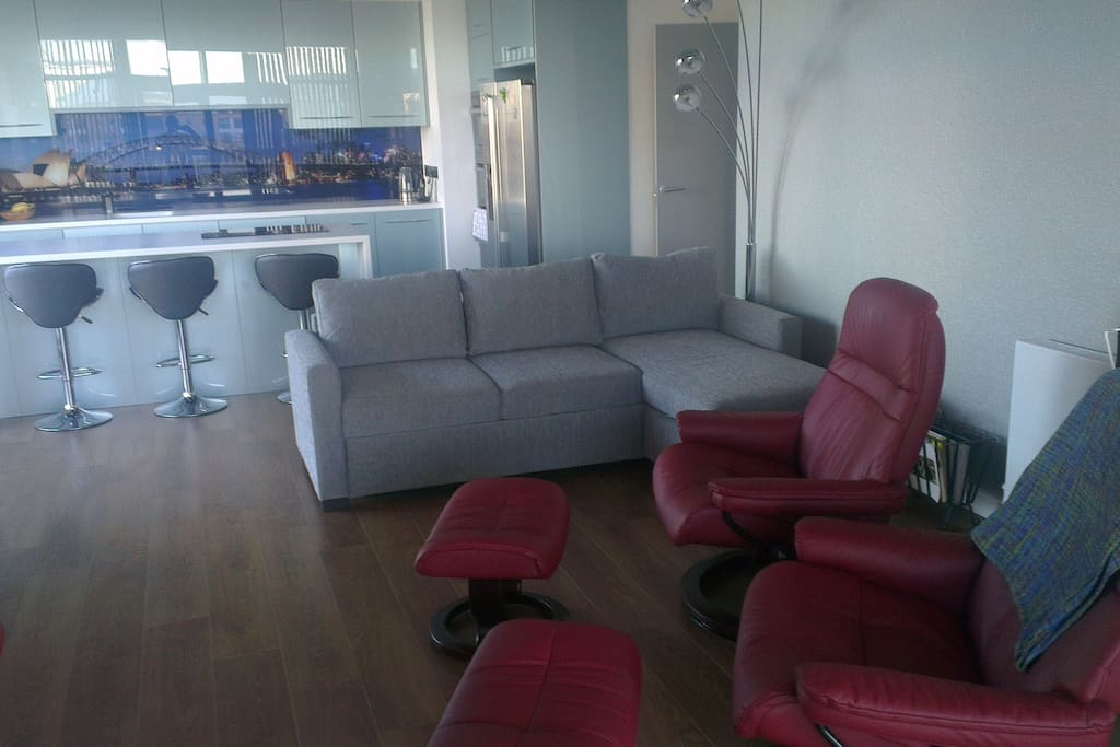 Breakfast Bar, Bed Sofa, Stressless Chairs