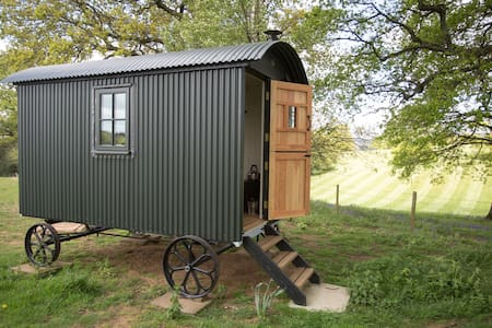 Surrey Hills Shepherds Hut - Autre