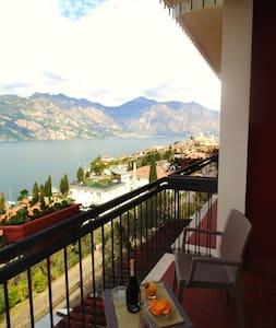 Malcesine Villa Emma Lake view - Malcesine - ที่พักพร้อมอาหารเช้า