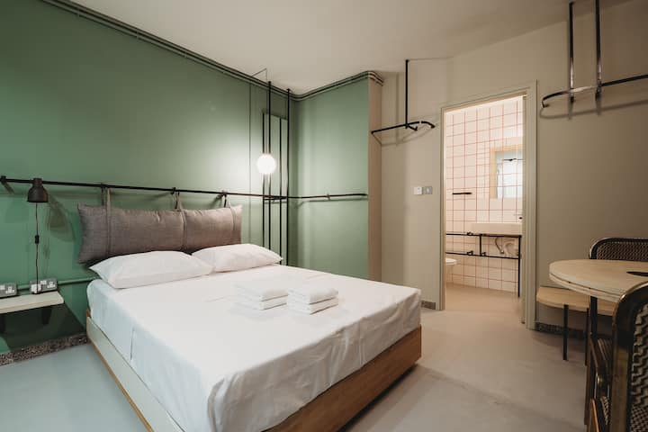 Eins Rooms 2 - City Center