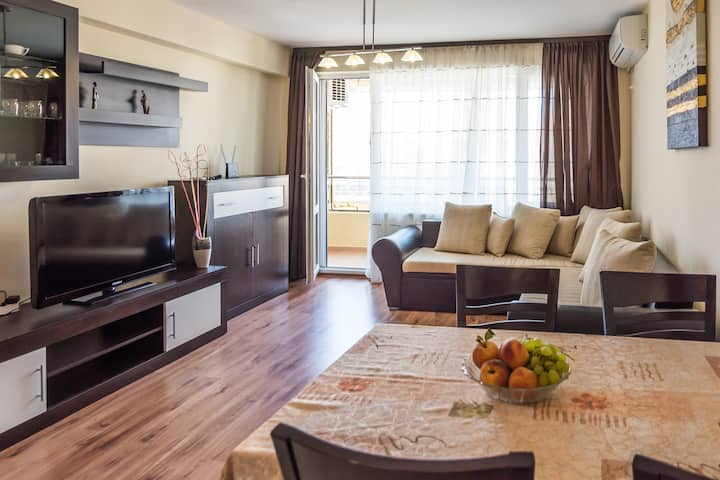 Fully equipped modern apartment