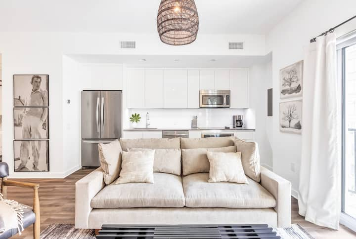 Dapper Flat By the Park | Midtown | LOCAL