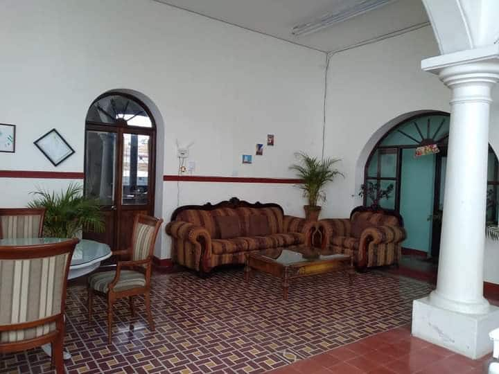 "Casa Altamirano ""familiar"""