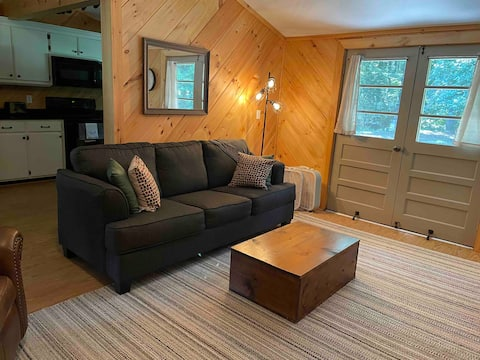 Cozy & Peaceful Cabin in Beautiful Waterloo, AL
