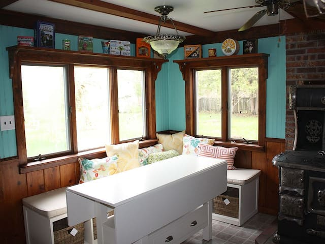 Platte Lake Cottage w/ lake access - Beulah - House