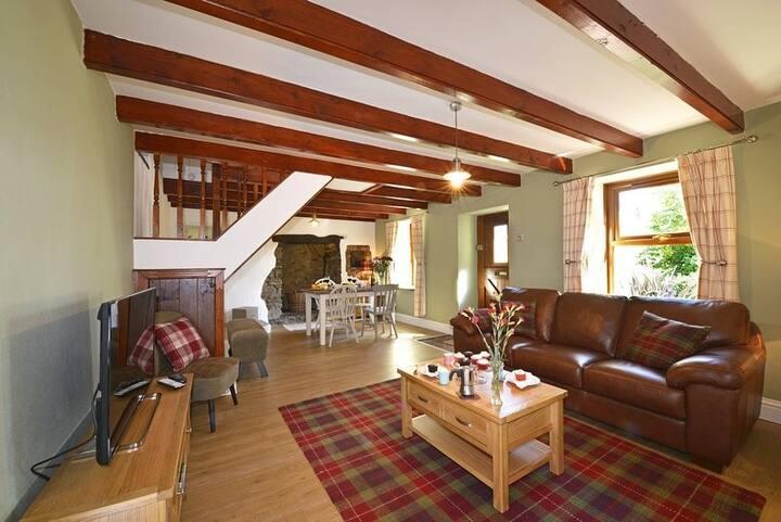 Albertas Cottage, Llangwm