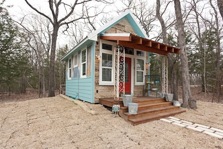 Cozy Charming Cottage in the Woods - Royse City - Cottage