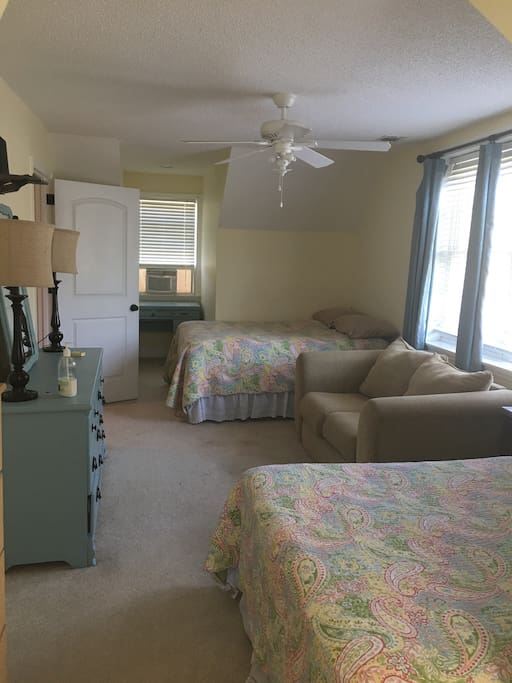 2 double beds and a couch sleeps 4