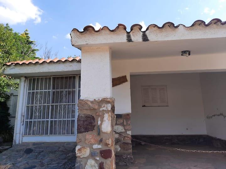 Casa para 8 personas a 70 metros del Rio