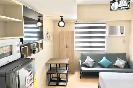 SM Mall Condo ● FREE NetFlix and Pool -30Mbps WiFi