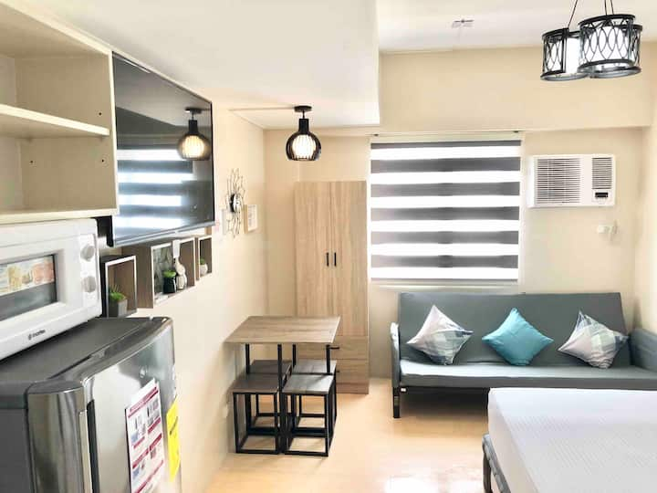 SM Mall Condo ● WIFI 30Mbps ● Cebu City