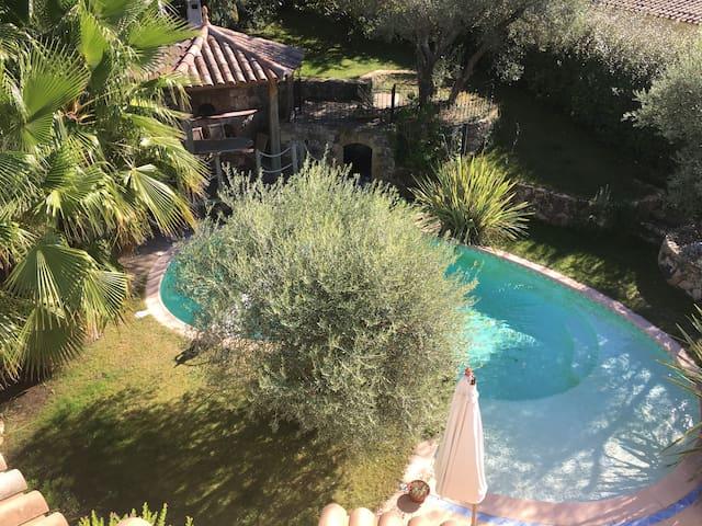 """Belle villa 8 personnes avec piscine à Evenos"""" - Évenos - 獨棟"""