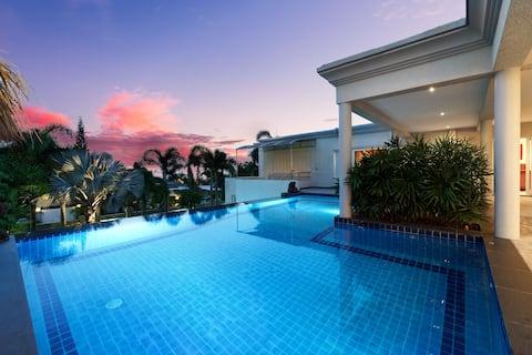 Stunning Luxury pool villa