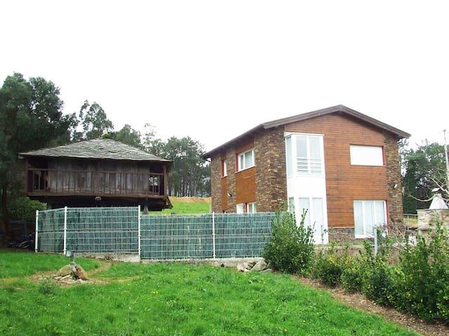 Finca en Mouruso - Asturias - House