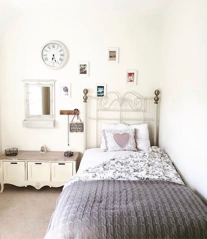 Small pretty space - Long Hanborough - House
